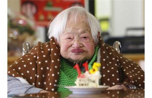 Cụ bà 116 tuổi vẫn đẹp vì ăn nhiều sushi