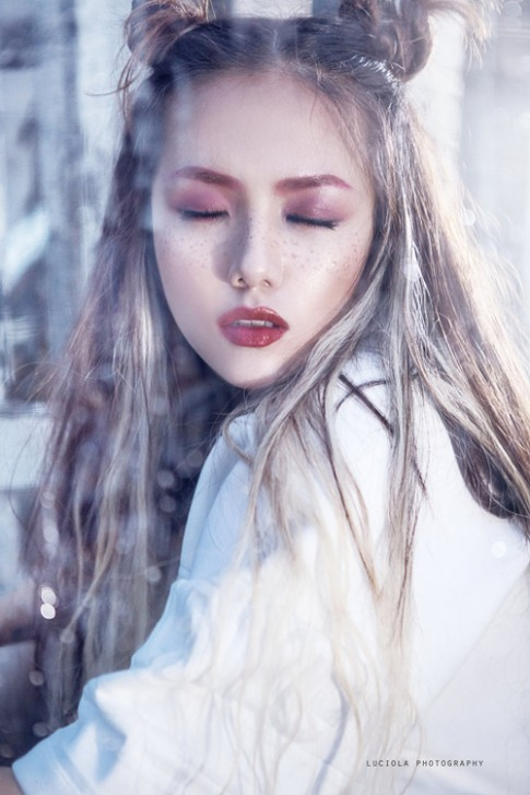"Em gai Phuong Linh hoa ""nu hoang bong toi"""