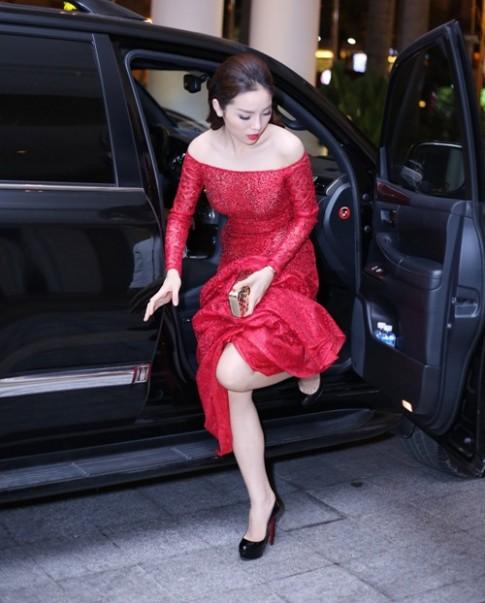 HH Ky Duyen bat ngo hoi ngo Huyen My, Diem Trang