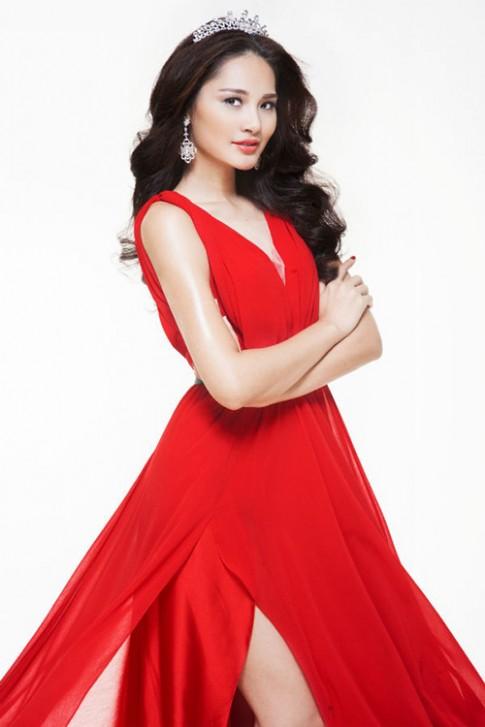 Hương Giang hồi hộp khi lần đầu chấm thi Hoa hậu Hoàn vũ