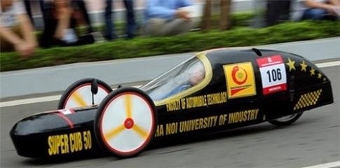 "Khong the ngo chiec xe tu che nay chay 3000km ""ngon"" chi 1 lit xang"