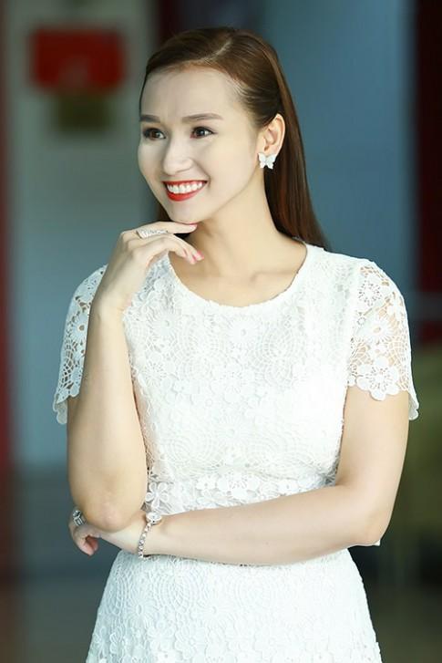 La Thanh Huyen bu phan, Ai Phuong mat loang lo
