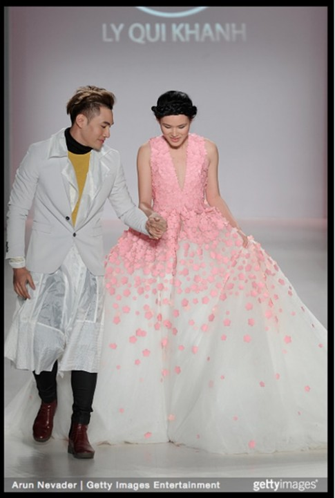 Ly Qui Khanh tam su ve BST tai New York Fashion Week