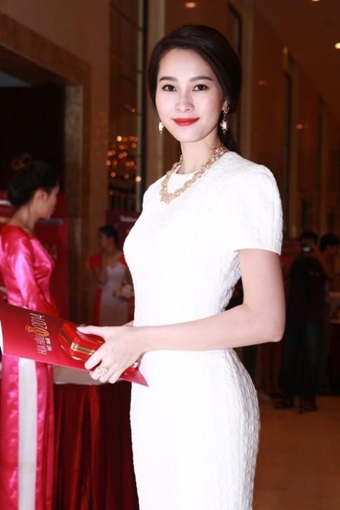 Thu Thao, Thuy Dung vui ve do nhan sac