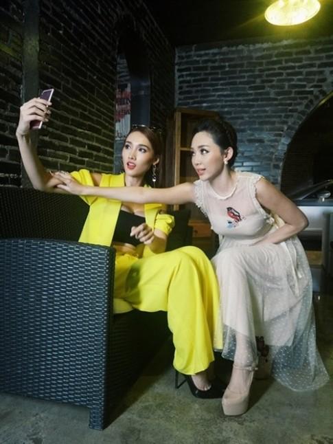 Toc Tien chia se bi kip de co buc anh selfie dep tu nhien