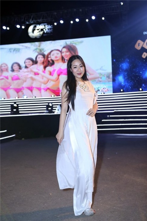 Jennifer Pham rang ro do sac cung Ngo Phuong Lan