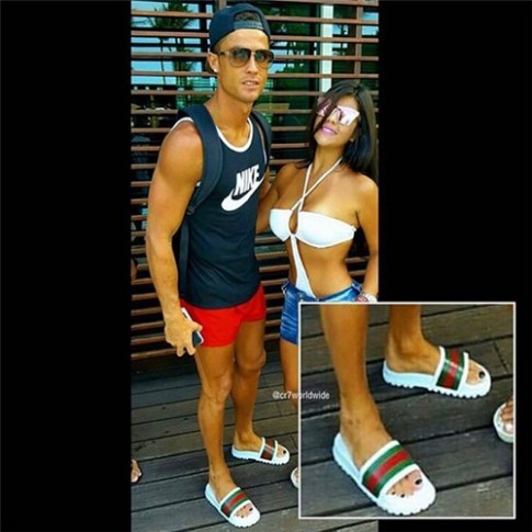 Lai xuat hien bang chung khien Ronaldo bi nghi ngo ve gioi tinh that