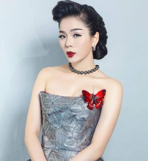 Le Quyen - My nhan trang diem dam ma khong gia