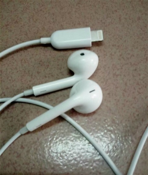 "Neu tai nghe iPhone 7 giong vay thi dung la ""xau het cho che""!"