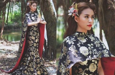 Vay Hoang Thuy Linh mac bi phat hien giong Pham Bang Bang