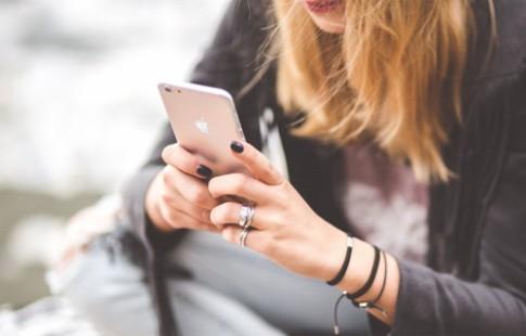 2 nam nua, iPhone se ho tro mo khoa bang mong mat