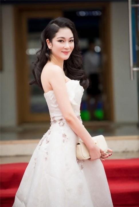 4 Hoa hậu Việt Nam được công chúng ca ngợi hết lời