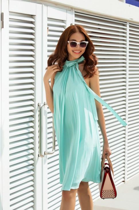 8 màu váy khiến bạn đẹp không thua kém Thanh Hằng