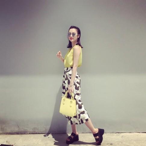 Angela Phuong Trinh duoc khen dep hon khi khong mac ho