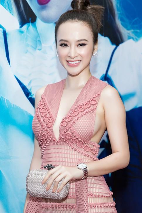 Angela Phuong Trinh lo noi y tren tham do su kien thoi trang