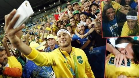 """Ban gai cu Neymar """"dot mat dan tinh"""" voi hinh anh """"sieu phong tay"""""""