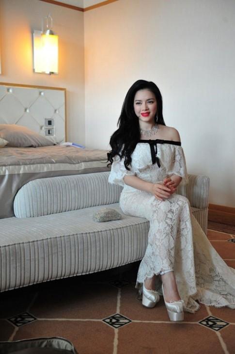Boc mac vay hang hieu cua Ly Nha Ky tai Cannes 2013