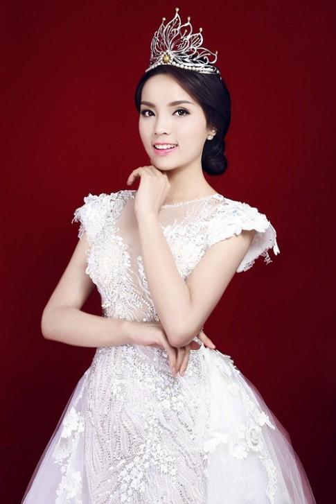 Chuyen gia Han Quoc sang VN trang diem cho HH Ky Duyen
