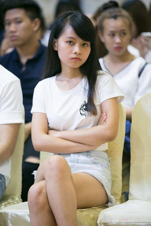 Cô nàng sinh viên nấm lùn quyết tâm đi thi Next Top