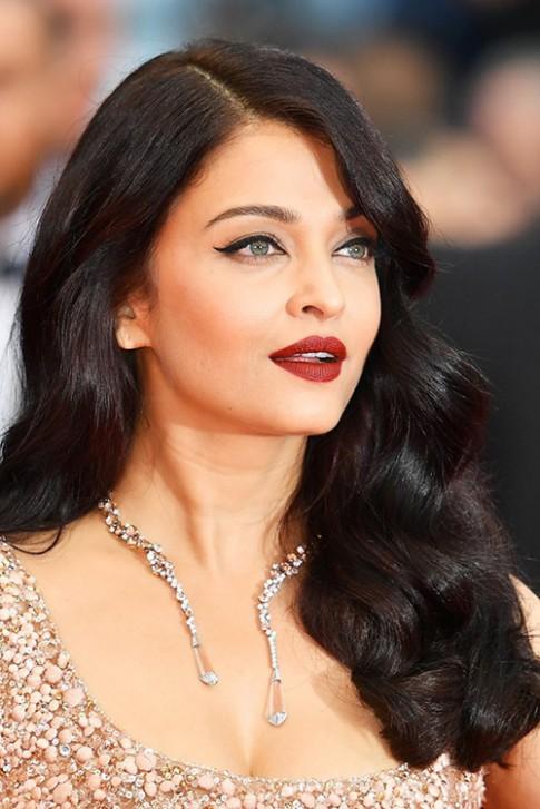Di tim my nhan makeup va lam toc dep nhat Cannes 2016
