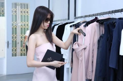 Diễm Trang, Thu Hằng sexy đi thử váy dự The Fashion Show