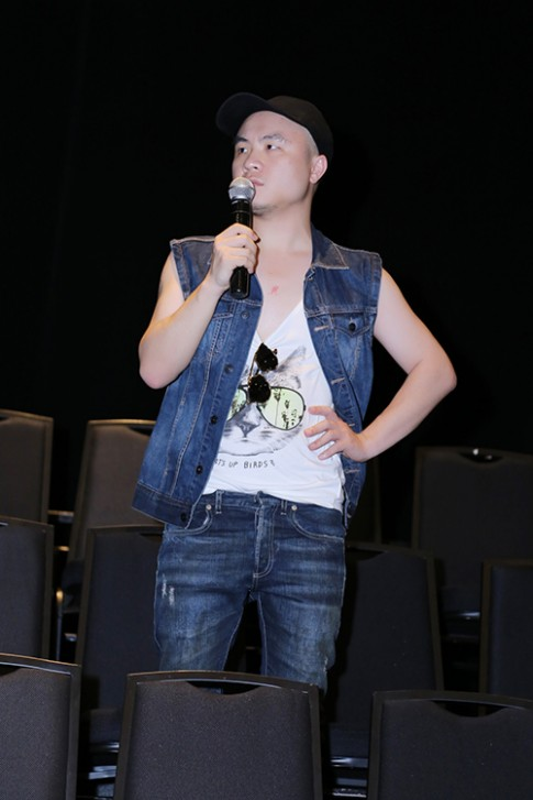 Đỗ Mạnh Cường tất bật chạy nước rút cho show Xuân Hè 2016
