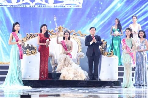 Do My Linh dang quang Hoa hau Viet Nam 2016