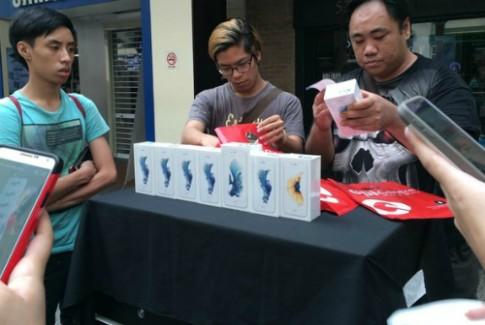 Gia iPhone 7 o cho den Singapore tang ca tram USD