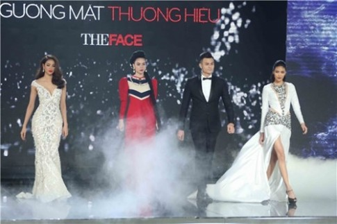 """Ha Ho, Lan Khue, Pham Huong gay """"choang"""" khi do tai catwalk"""