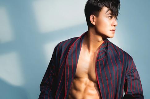 Hieu Nguyen khoe than hinh sau mui