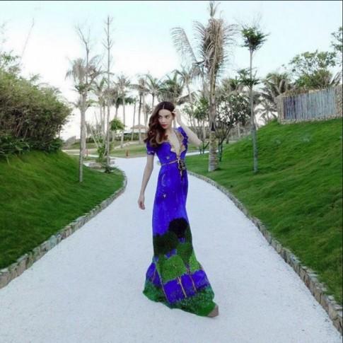Hồ Ngọc Hà đẹp lấn lướt Tiểu S khi đụng váy trăm triệu