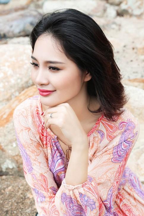 """Hoa hau Huong Giang: """"Mac tao bao nhung khong phan cam"""""""