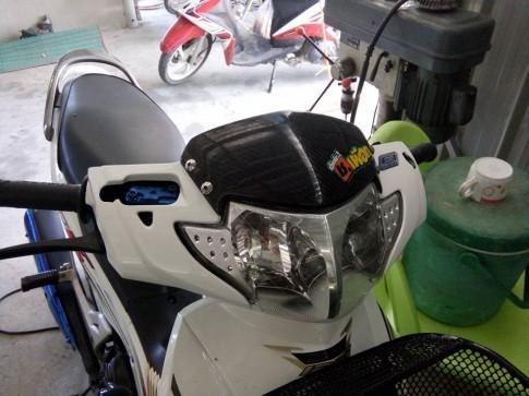 Honda Future 125 phien ban bach ma hoang tu