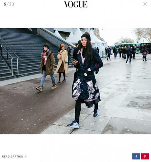 Mặc áo Võ Công Khanh, Thùy Trang lọt street style đẹp của Vogue