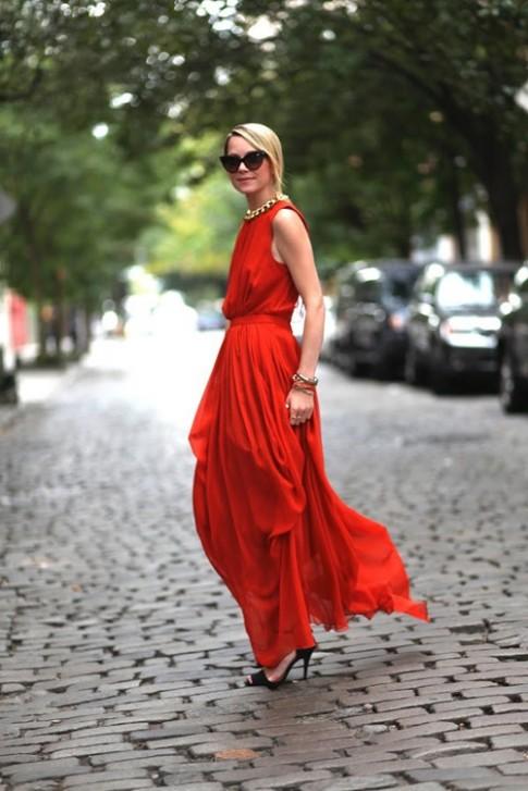 Mách bạn 3 cách mặc váy maxi đẹp mê ly để đón hè