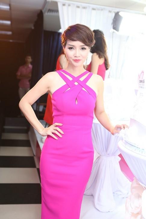 Mai Thu Huyen tre dep hon nho het sen sam
