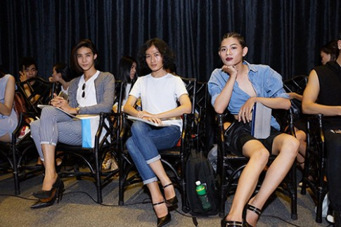 Mau nam di giay cao got toi casting show cua Adrian Anh Tuan