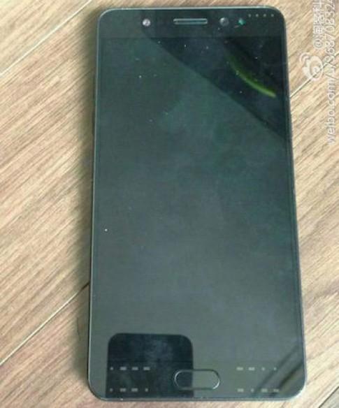 Mau thu Galaxy Note 7 khong dung man hinh cong