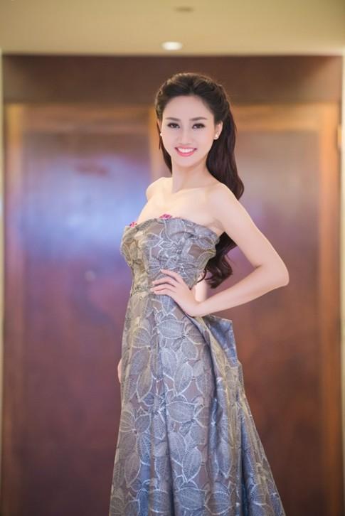 """Ngam my nu """"sieu vong 3"""" tiep buoc Pham Huong"""