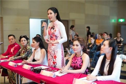 Ngoc Han khoe sac rang ro tren dat Nhat voi ao dai