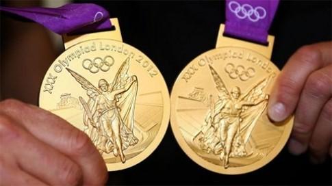 Nhat Ban du dinh dung dien thoai cu che tao huy chuong Olympic 2020