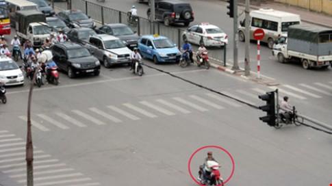 Phạt 800 nghìn đến 1,2 triệu khi người điều khiển xe mô tô không có Giấy phép lái xe