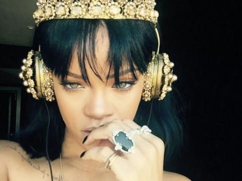Tai nghe 200 trieu giong Rihanna gay sot