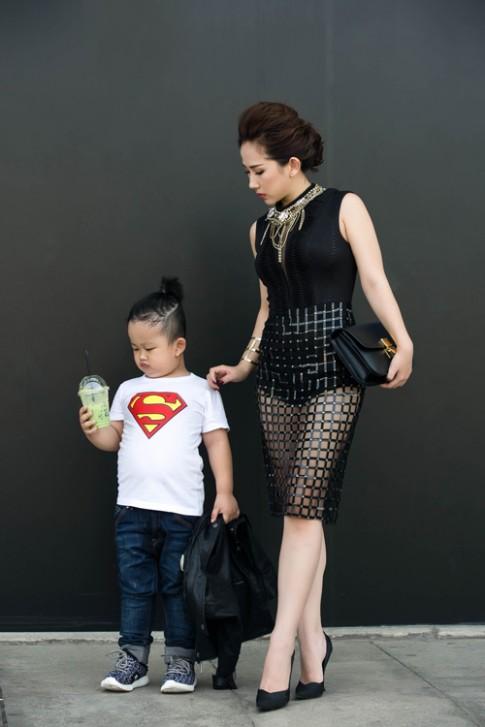 Tín đồ thời trang Việt khoe con trong ảnh street style