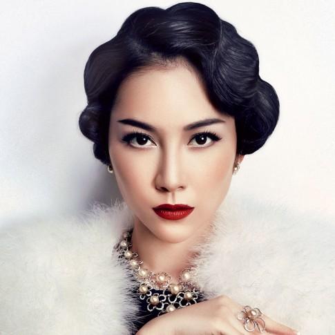 Top 10 my nhan Viet dep kieu ky voi toc uon co dien