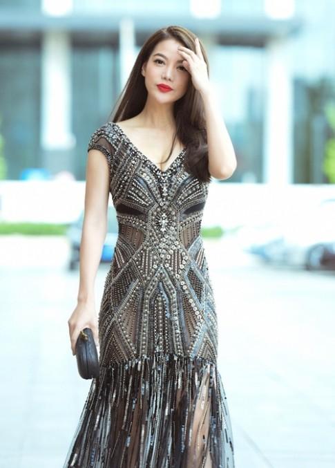 Trương Ngọc Ánh đẹp đôi sánh bước bên Kim Lý ở Trung Quốc