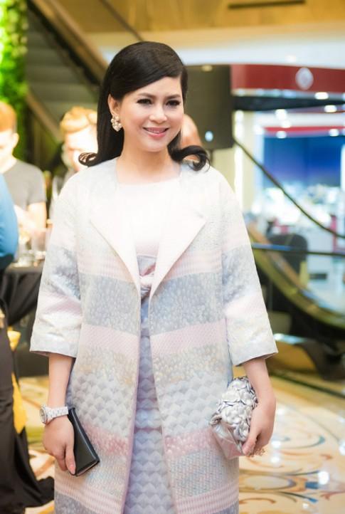 Tuần qua: Mẹ chồng Tăng Thanh Hà khoe hàng hiệu khôn khéo
