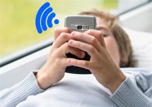 """Tuyệt chiêu dùng smartphone chặn kẻ đang xài """"chùa"""" Wifi nhà bạn"""