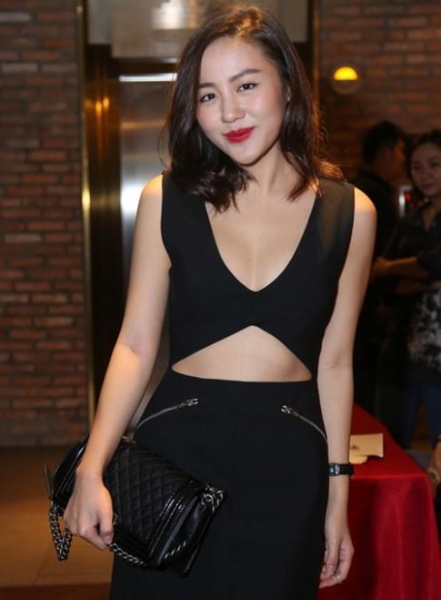 Van Mai Huong eo thon, nguc no bat ngo