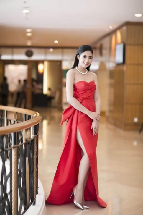 Váy tự thiết kế của Ngọc Hân bị nhận xét kém tinh tế